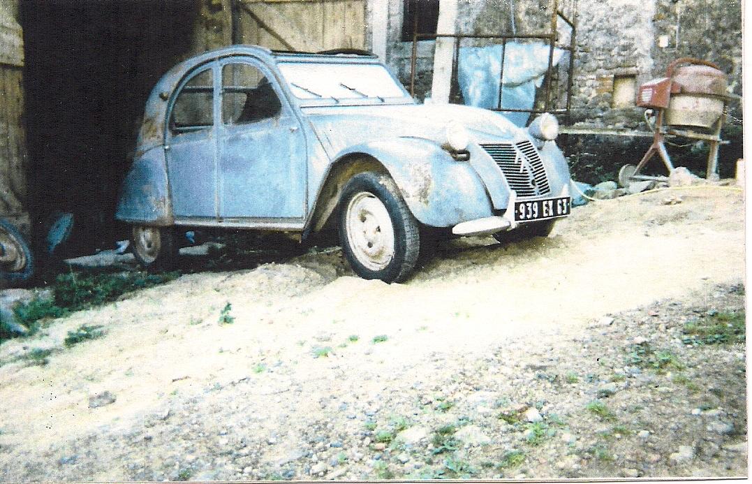 2cv AZ (2x)gevonden bij Clermond-Ferrand in oude boerderij