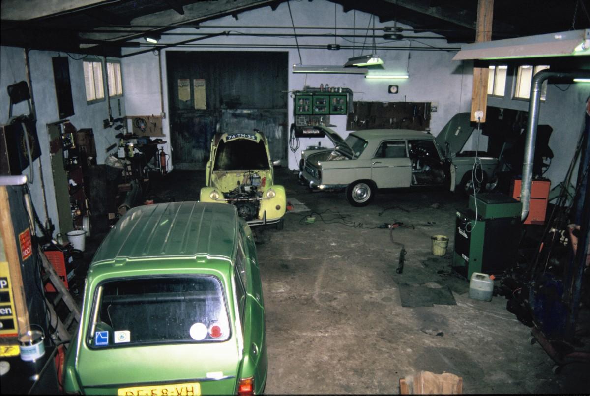 Foto werkplaats Annen met kachel op afgewerkte olie. 01