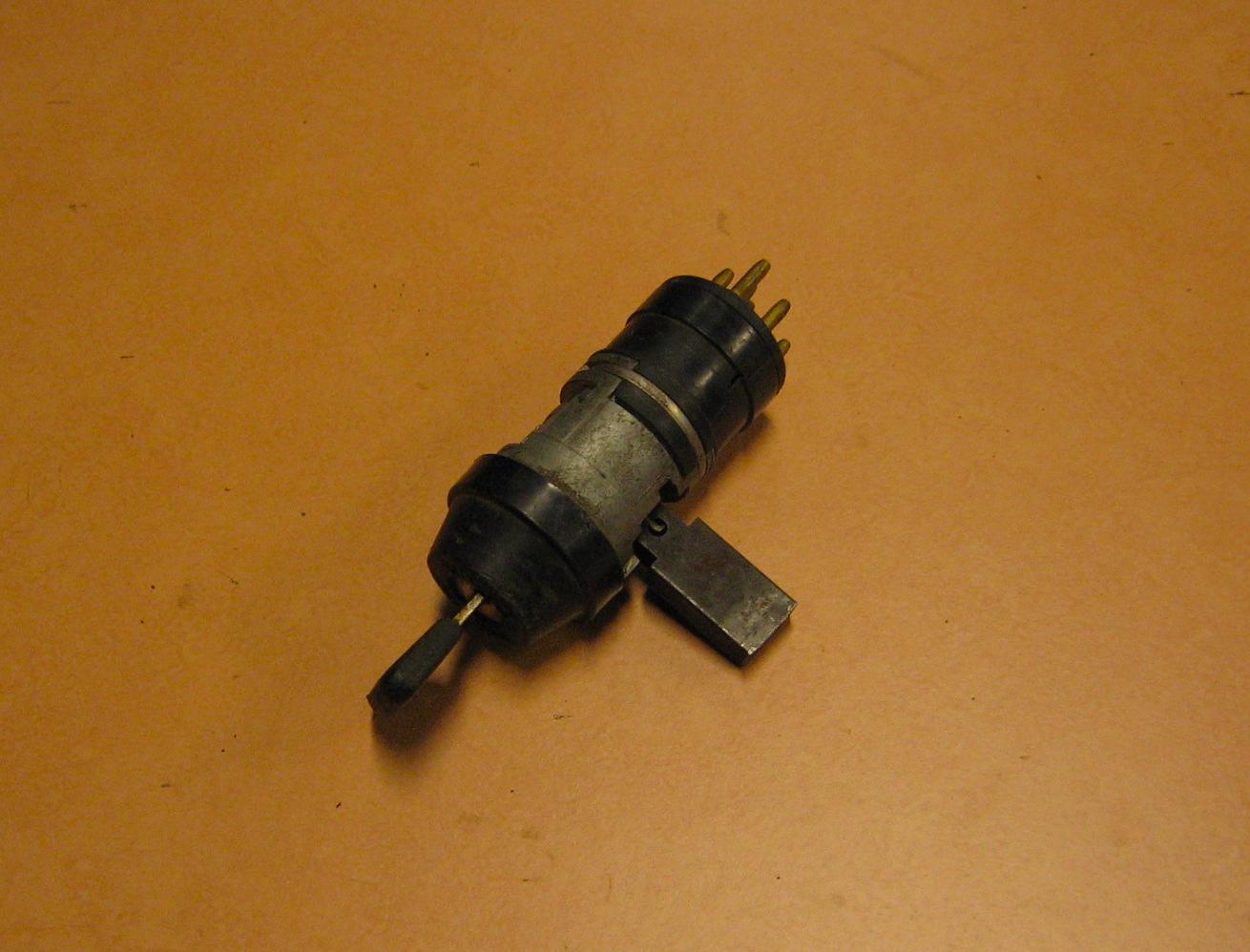 OD0430 contactslot 7-pins, lange slotstift, type: onbekend