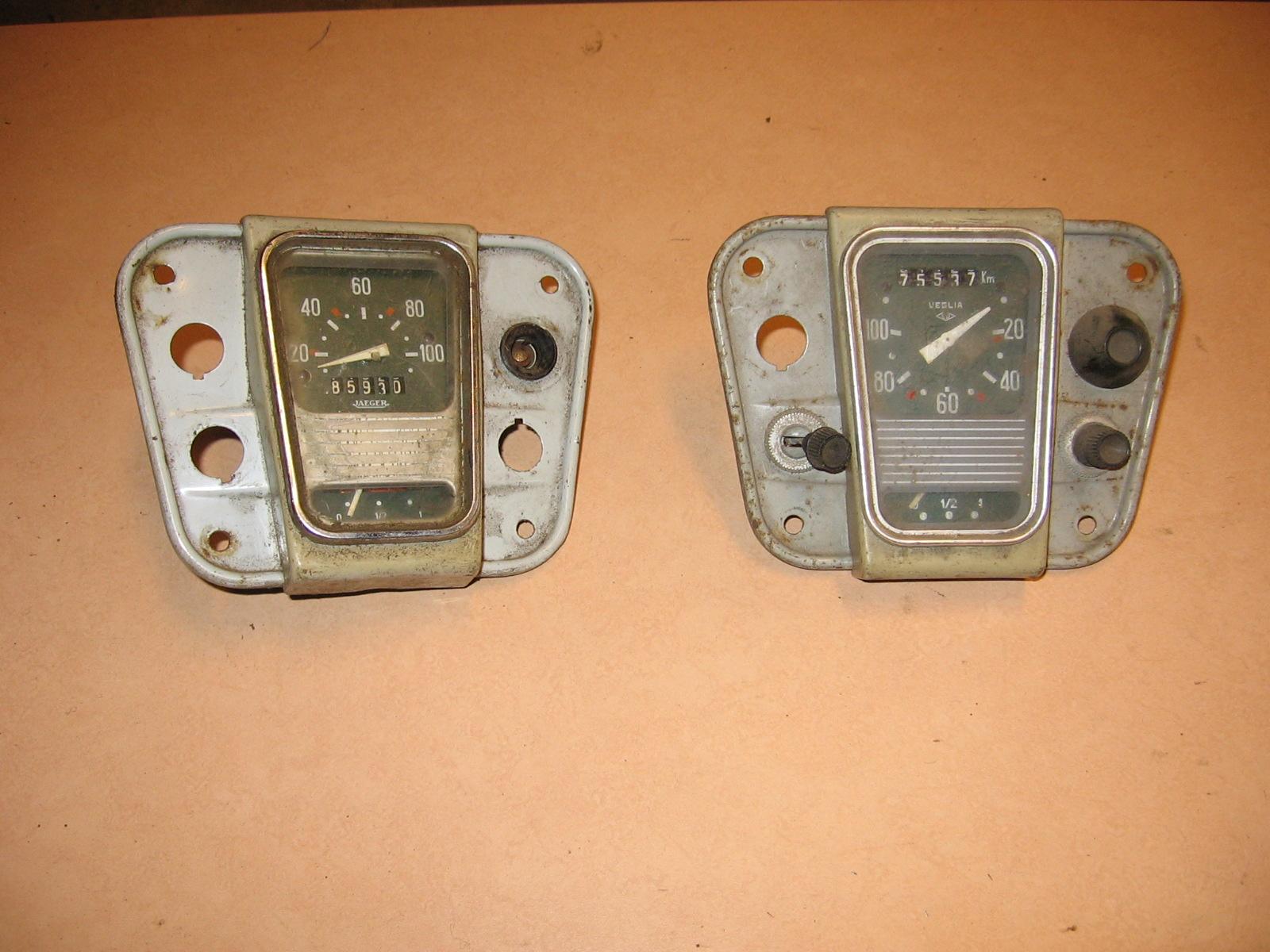 OD0442 dashboardkap compleet met km.teller + benzinemeter voor 18PK