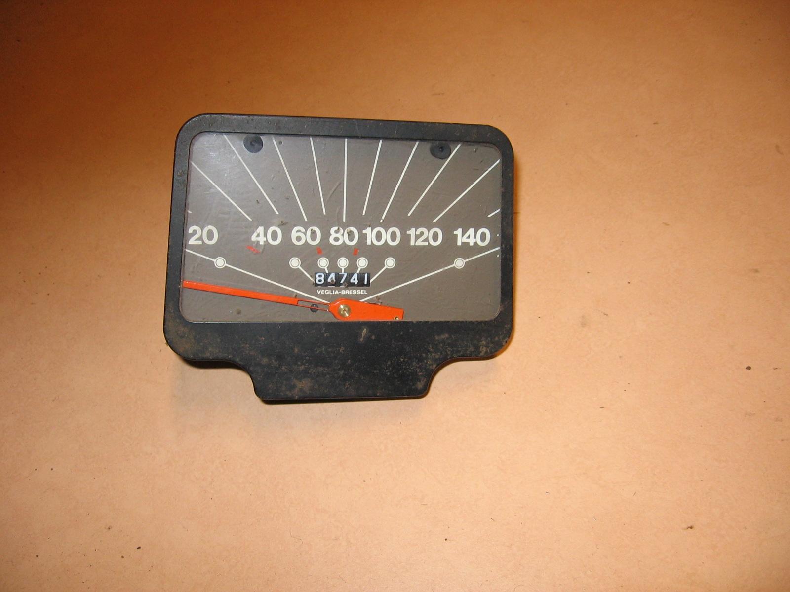 OD0443 dashboardklok + kilometerteller voor Dyane