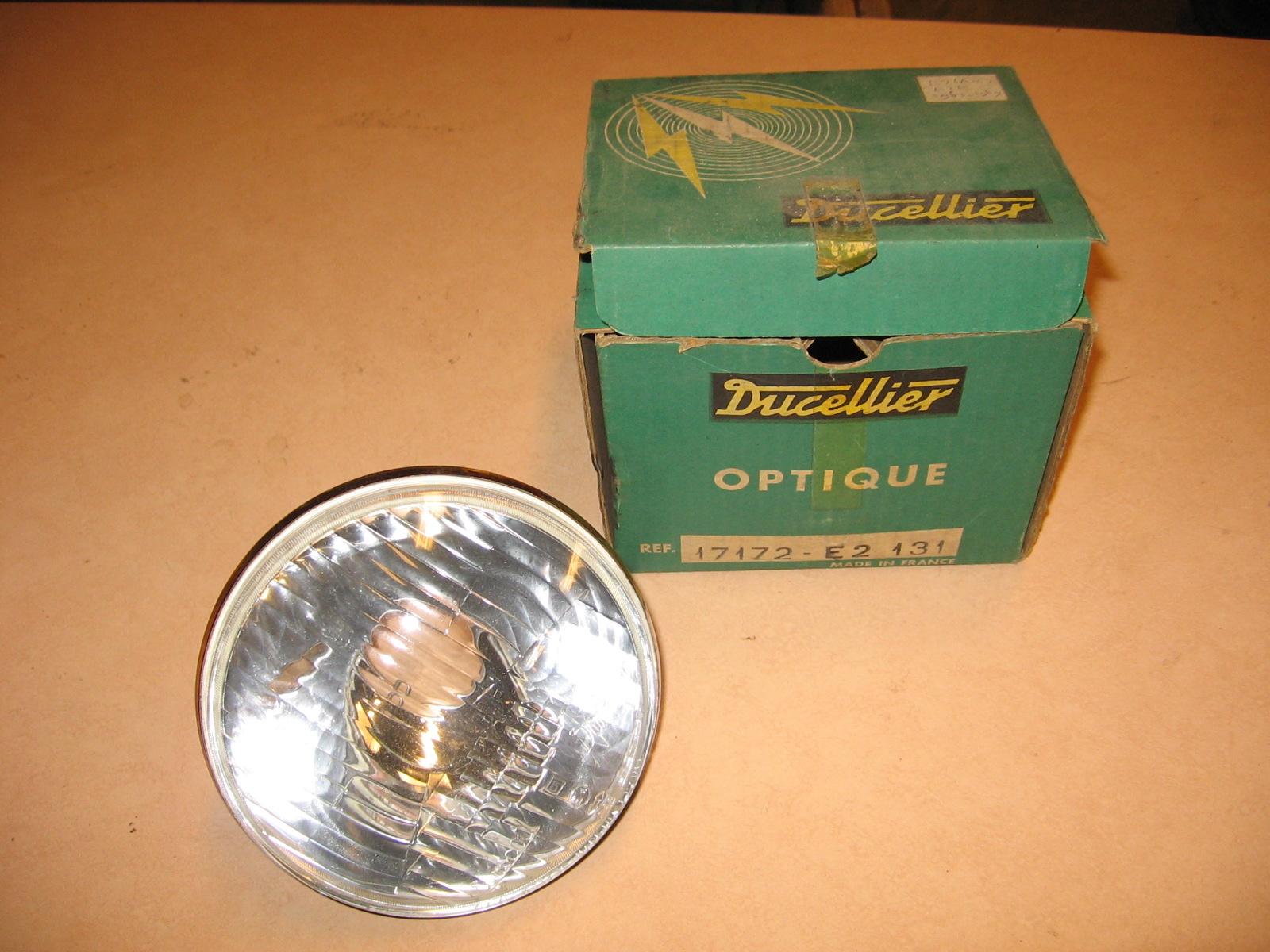 OD0453 koplampreflector voor Azam, merk: Ducellier, 1963-1968, NOS