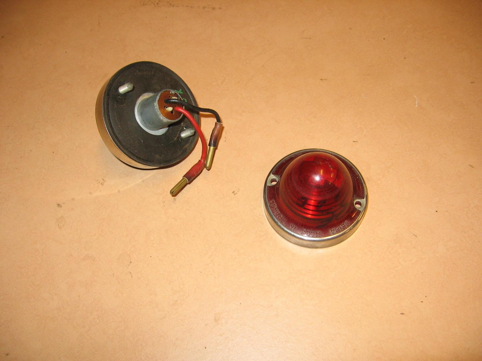 OD0457 achterlichtglas + binnenwerk, eventueel met chromen sierring voor Ami 6 2e model