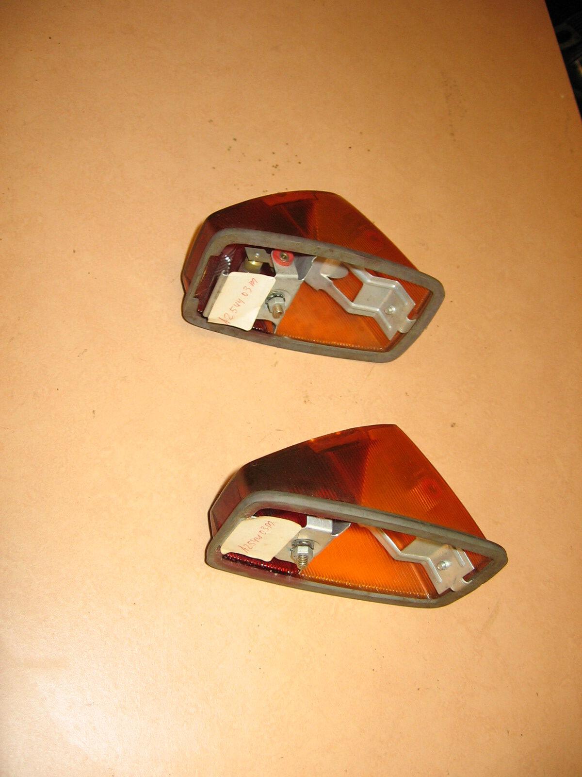 OD0491 een set achterlichten voor de 18PK, type Benelux,  compleet en NOS (New Old Stock) (idem aan OD0490)