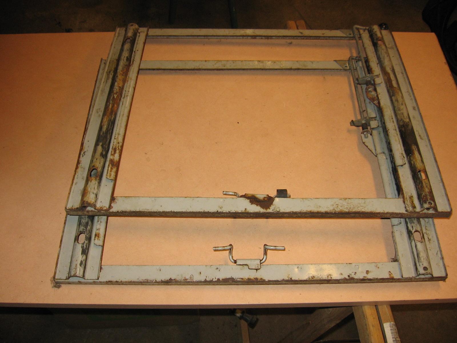 OD0465 sledes voor de voorstoelen Azam, set
