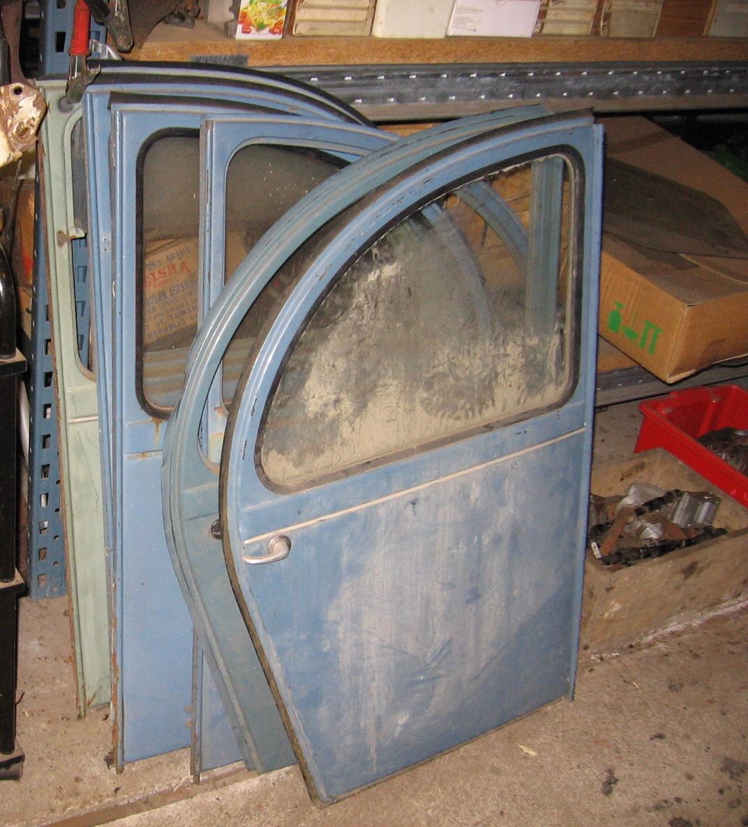 OD0481 diverse achterdeuren voor 12PK en 18PK, bijzonder gaaf en origineel Citroën