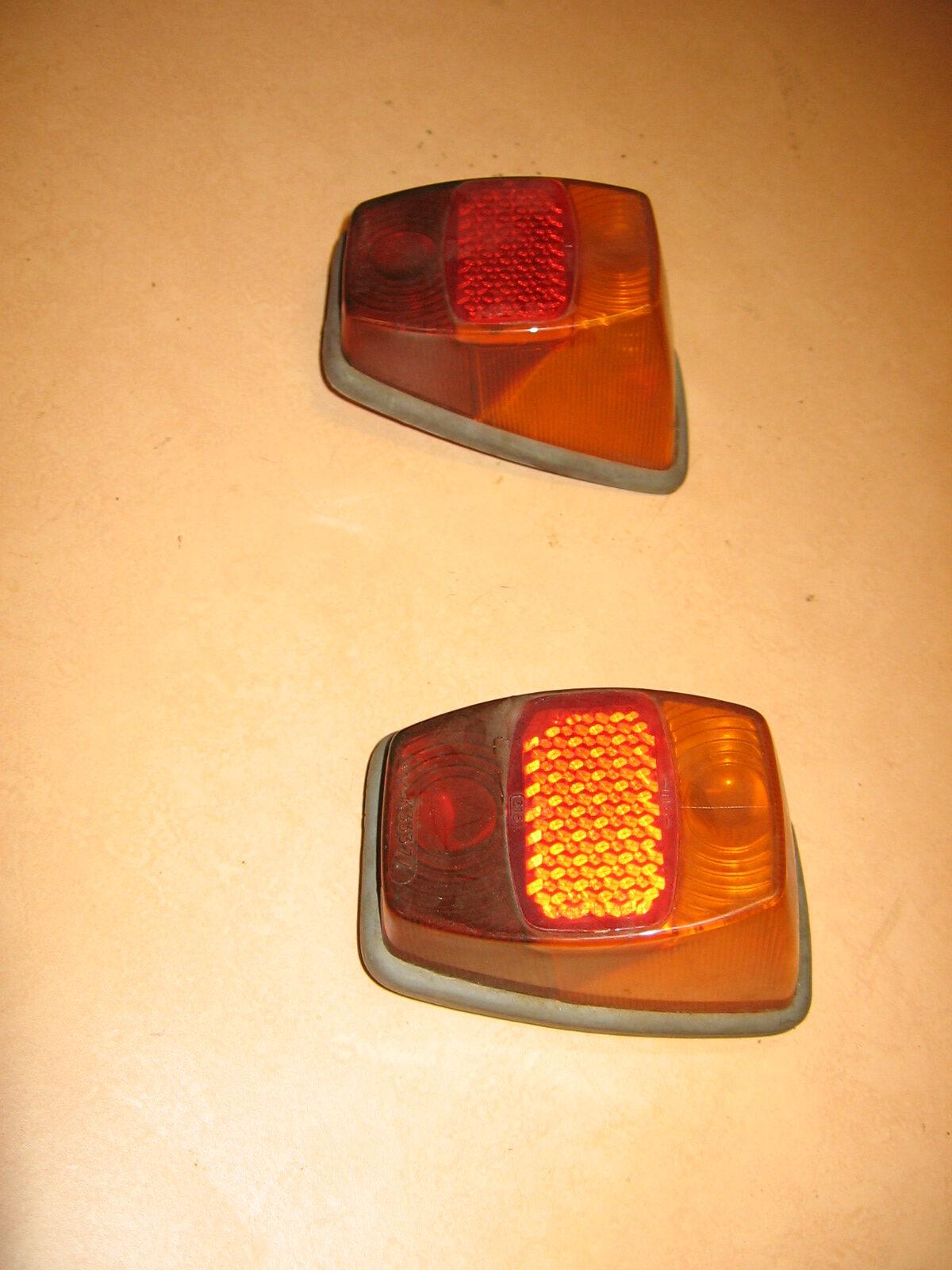 OD0490 een set achterlichten voor de 18PK, type Benelux,  compleet en NOS (New Old Stock)